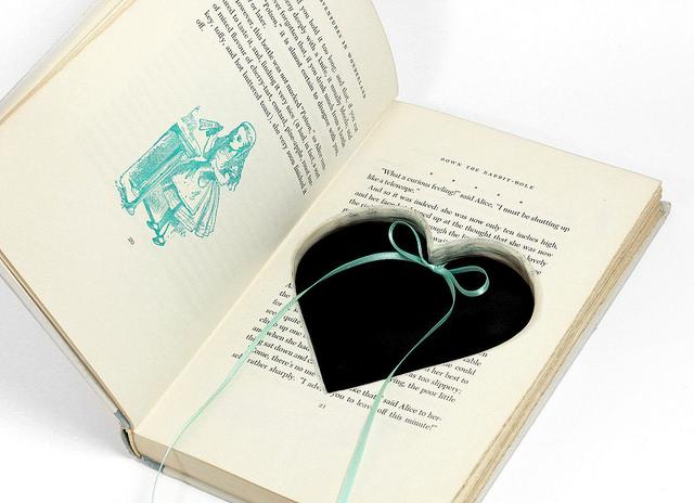 Alice In Wonderland Ring Holder Hollow Book